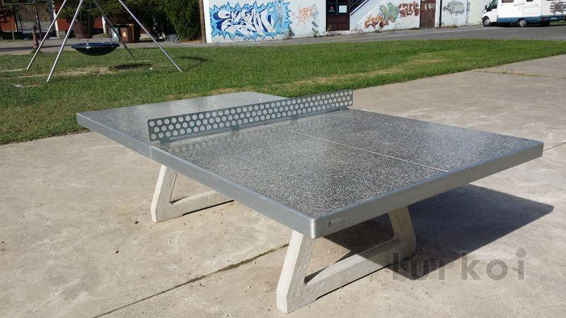 Mesa pingpong hormigon mobiliario urbano e instalaci n for Mesa de ping pong exterior